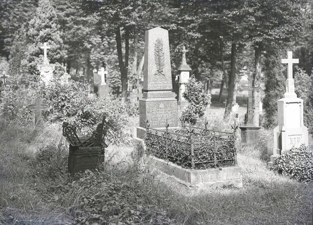 1806 Grabstätte Josef Hesse - Friedhof Olpe