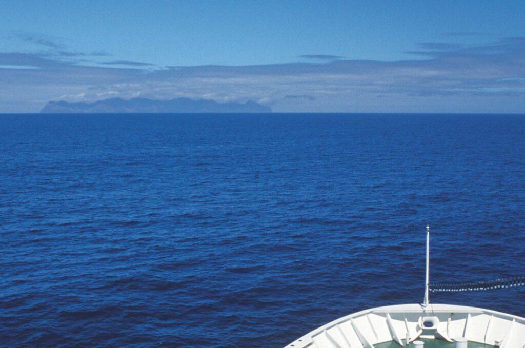 die Silhouette von Isla Robinson Crusoe