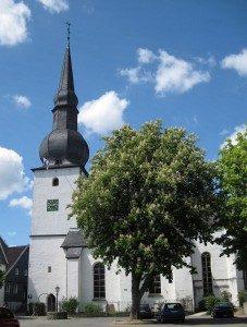 Bergneustadt-Altstadtkirche1-Bubo-227x300.jpg