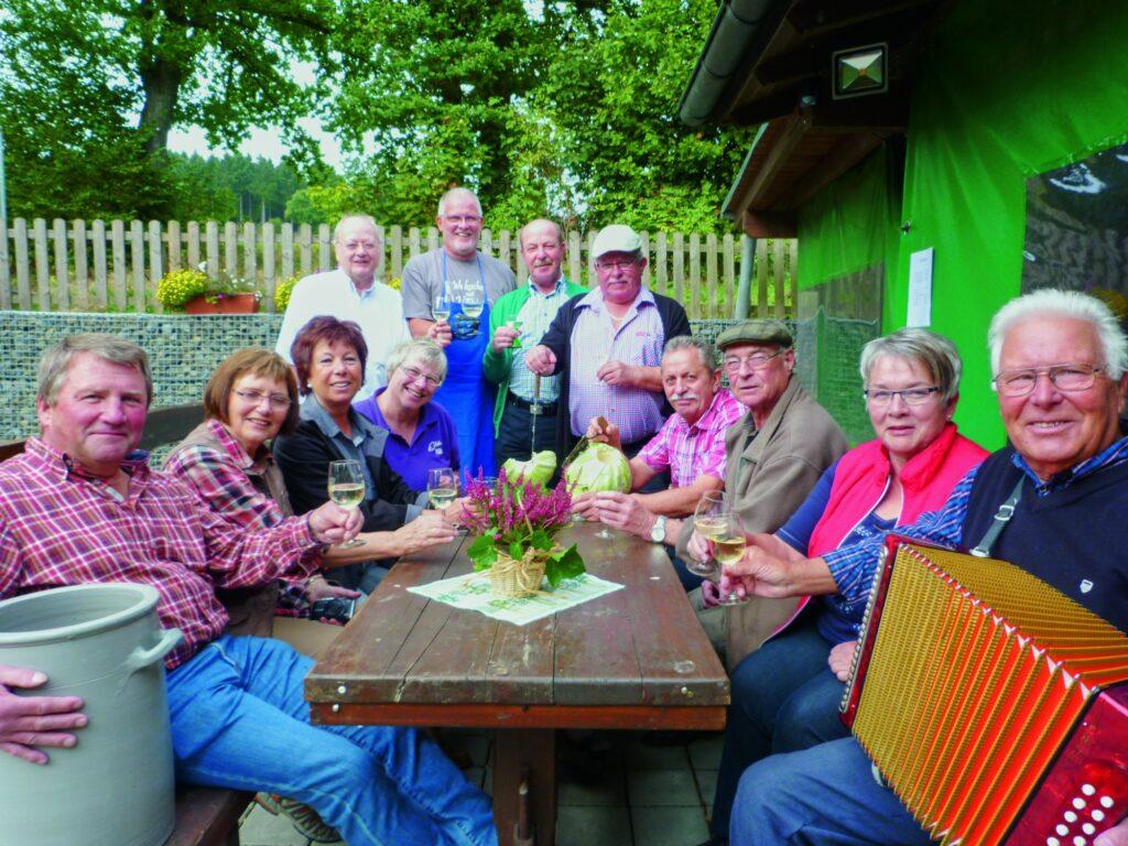 WOLL Sauerland: Jedes Jahr lädt der SGV Wenden zum Kappesfest