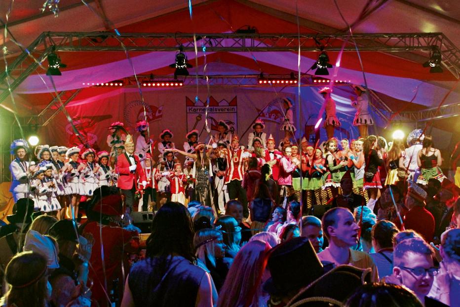 WOLL Sauerland - Der Karnevalsverein Schönau-Altenwenden feierte seine 50. Session