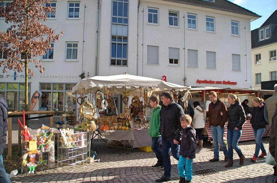 fruehlingsmarkt-attendorn-marktstand_Fotor