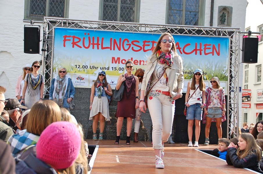 Attendorn Frühlingsmarkt 2016 - modenschau