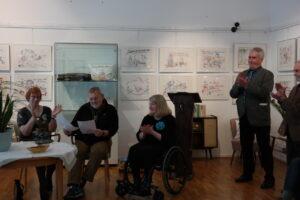 Dr. Andrea Brockmann (rechts) im Gespräch mit Ursula Meyn-Scheck und Wolfgang Morisse