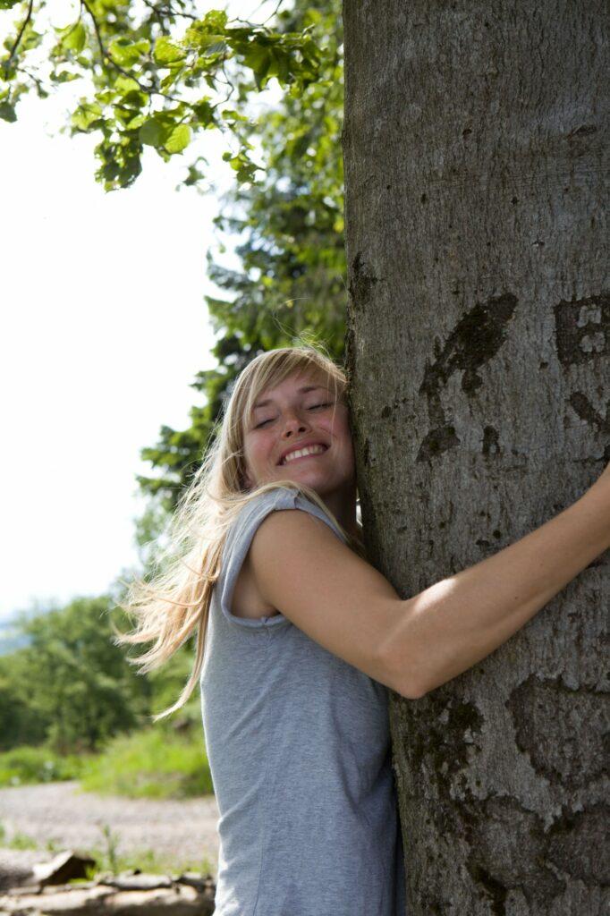 Auf Tuchfühlung mit den Baumriese_(c)_Sauerland-Tourismus