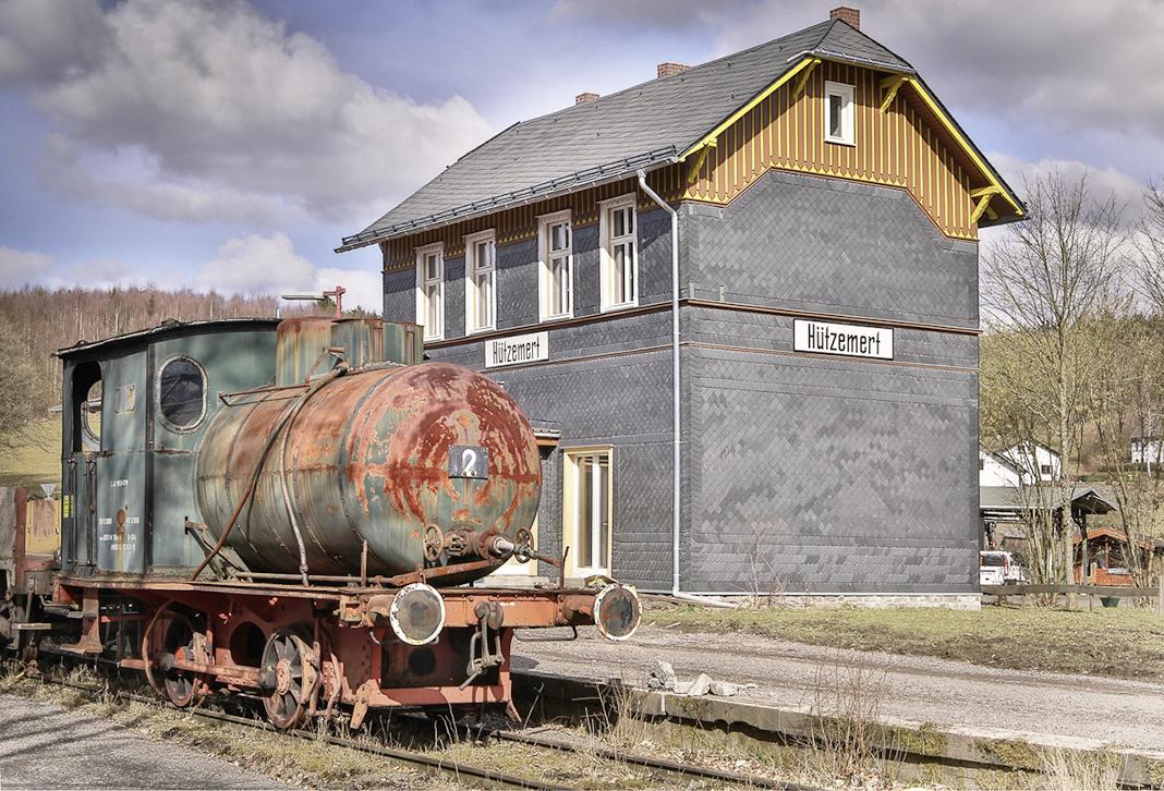 WOLL Sauerland Bahnhof Hützemert