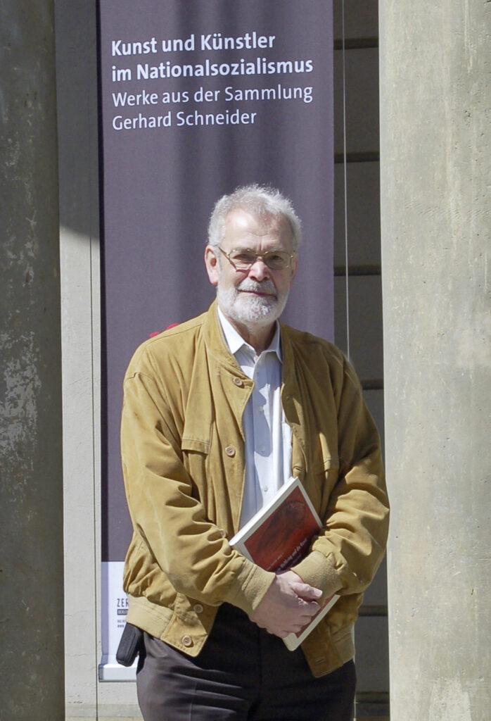 Der Olper Dr. Gerhard Schneider stellt Teile seiner Sammlung zurzeit in Berlin aus.