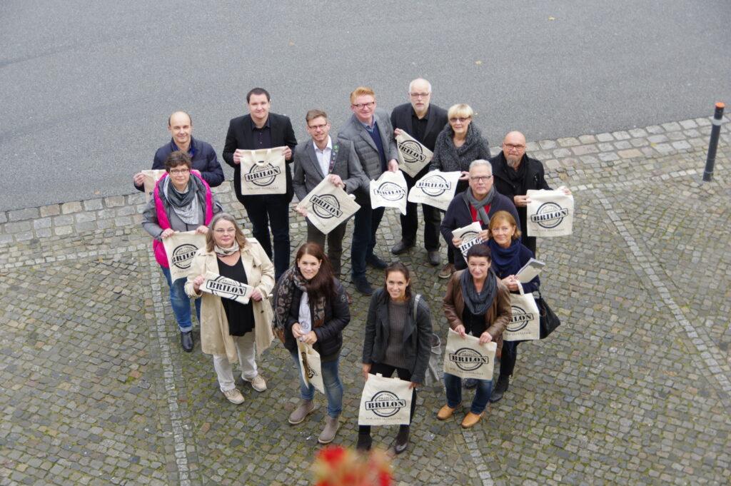 Brilon mit Herz: Der Einzelhandel von Prima Brilon begrüßt die Kunden nicht nur am 31.10. herzlich in den Fachgeschäften. Foto: Christoph Kloke