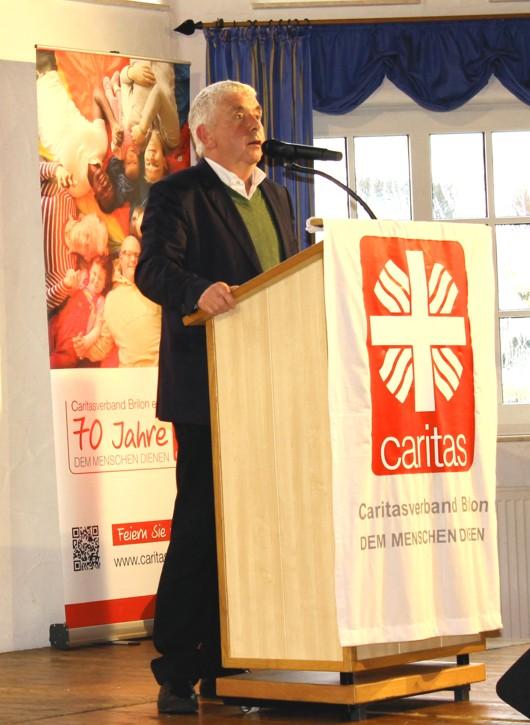 Die Gründung des Caritasverbandes rief der Paderborner Kabarettist Erwin Grosche zum Festakt in Erinnerung.