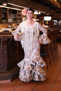 Inmaculada Concepcion (Conchita) Ortega Albadalejo, kurz Inma genannt, in ihrer Tapas-Bar Casa Conchita in Meschede. Foto: S. Droste