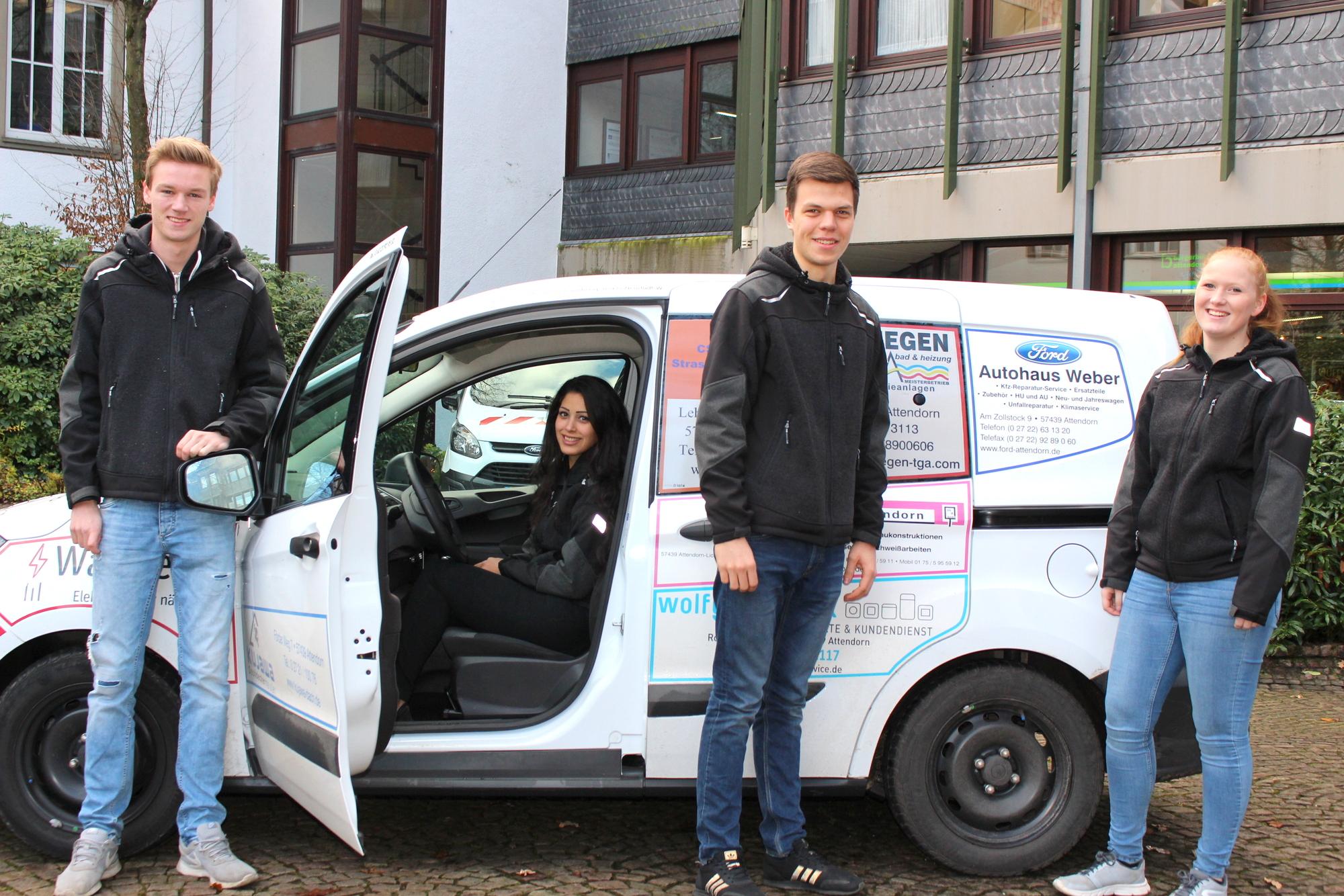 Jana Geyer (v.l.n.r.). Ein Jahr lang helfen sie bei der Betreuung von Asylbewerbern und Geflüchteten. Foto: Hansestadt Attendorn