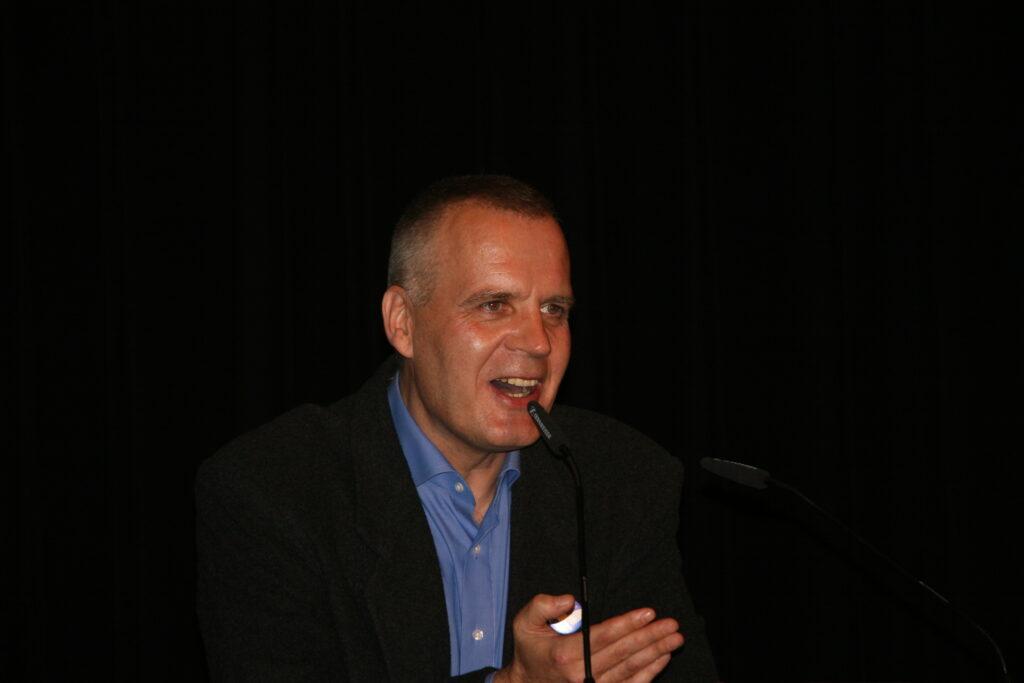Peter Bürger. Geboren in Eslohe im Sauerland