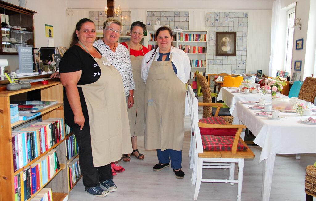 Dorothee Joch und ein Teil ihrer Mitarbeiterinnen im Café Inka.