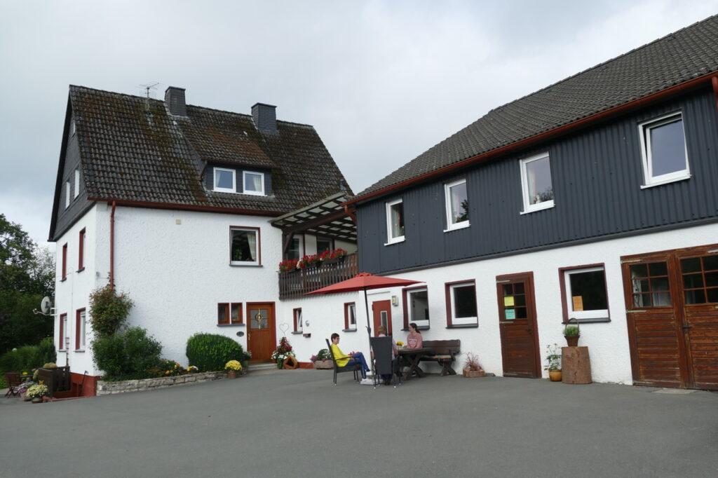 Der Aussiedlerhof der Familie Brögger dient als Stellplatz für bis zu drei Wohnmobilen.
