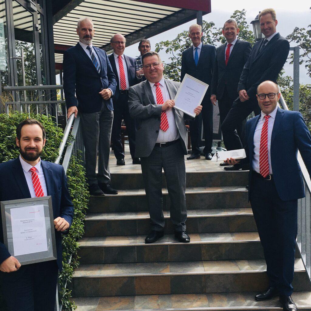 Sparkasse Mitten im Sauerland freut sich über den Deutsche Leasing Award 2019!