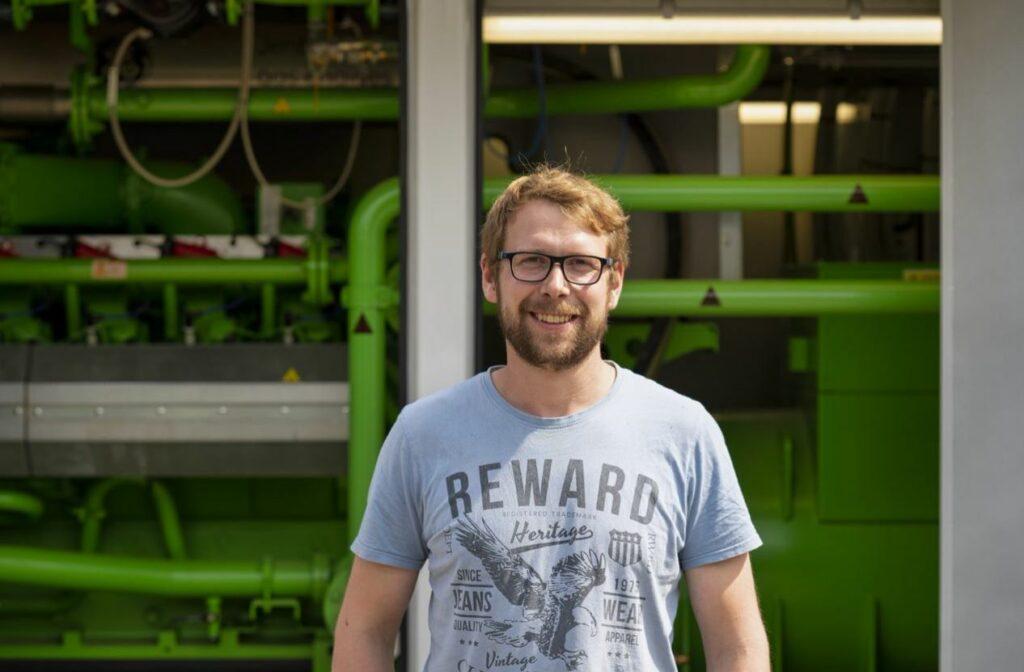 Alexander Klüter, Leiter der Biogasanlage. Foto: S. Droste