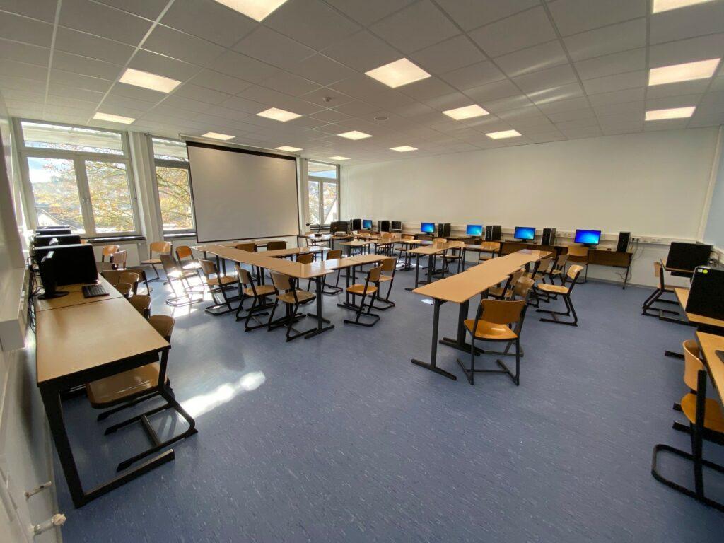 Investitionen von insgesamt rund 11 Millionen Euro in die Schulstandorte der Stadt Warstein ermöglichen modernen Unterricht im Digitalzeitalter. Foto: Alexander Goetz