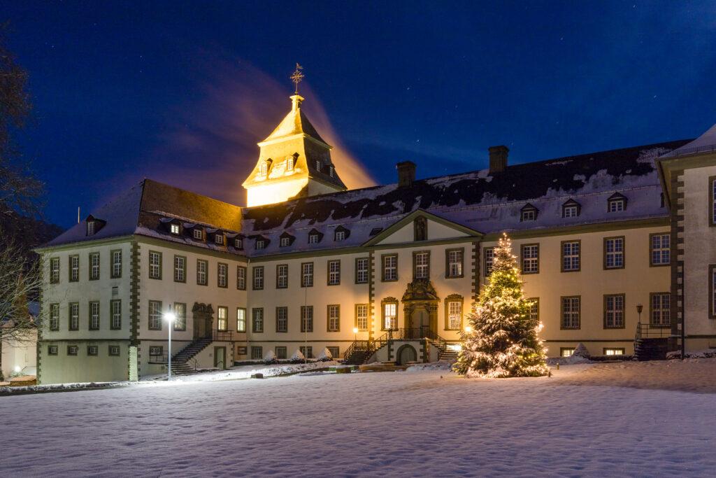 Kloster Grafschaft bei Schmallenberg im Winter