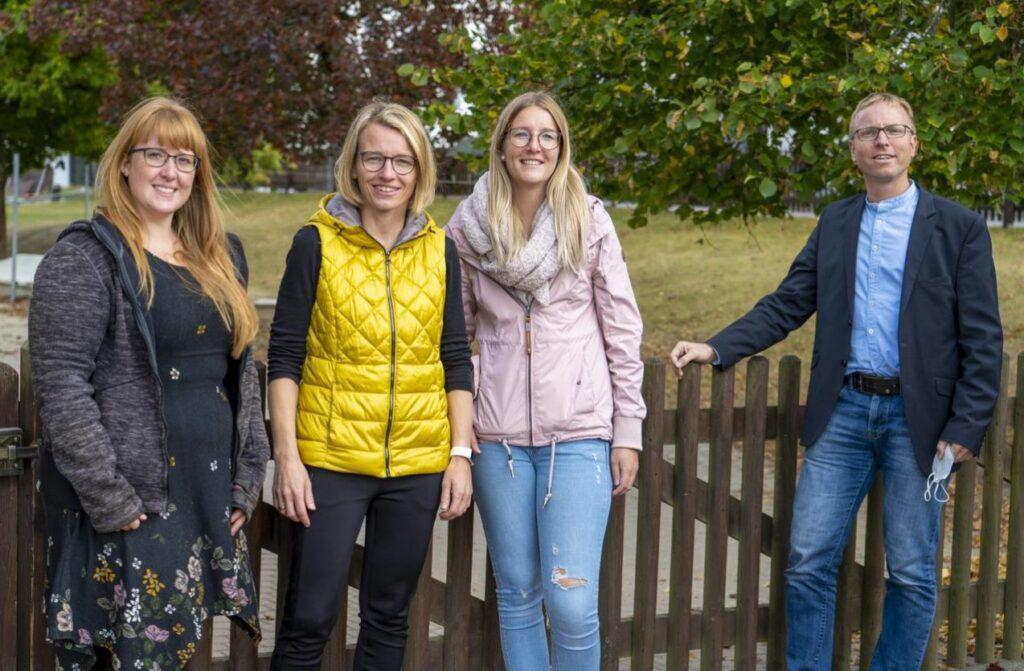 Erzieherin Fabienne Stremme, Kita-Leiterin Silke Witzel, Erzieherin Jenny Nackas und Pfarrer Christian Röhling (v.l.)