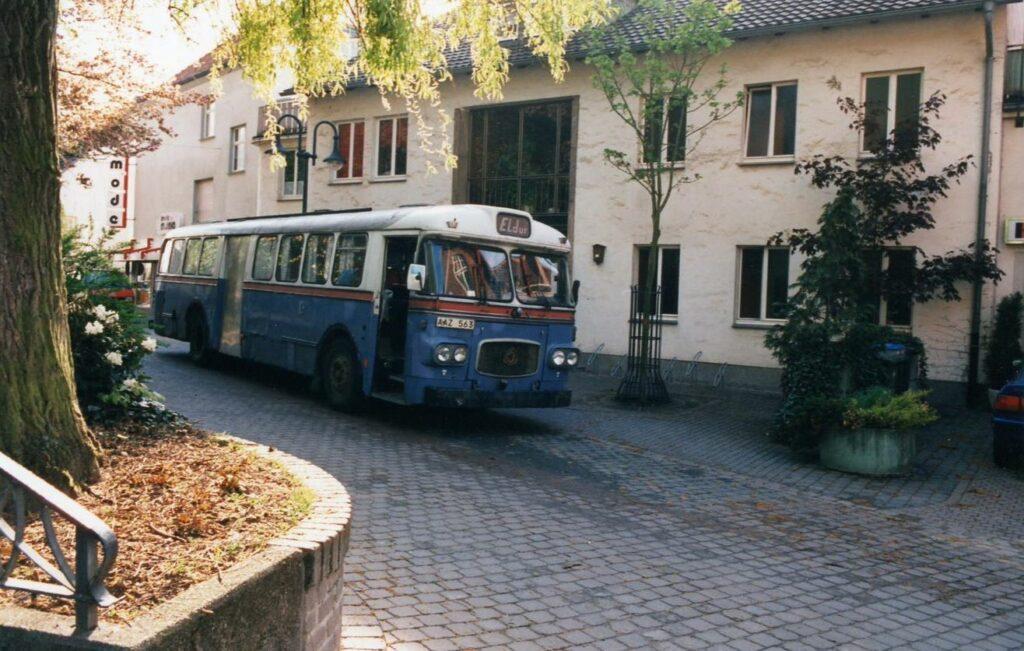 1996-Tourbus TequilaGirls aus Schweden vorm JBZ
