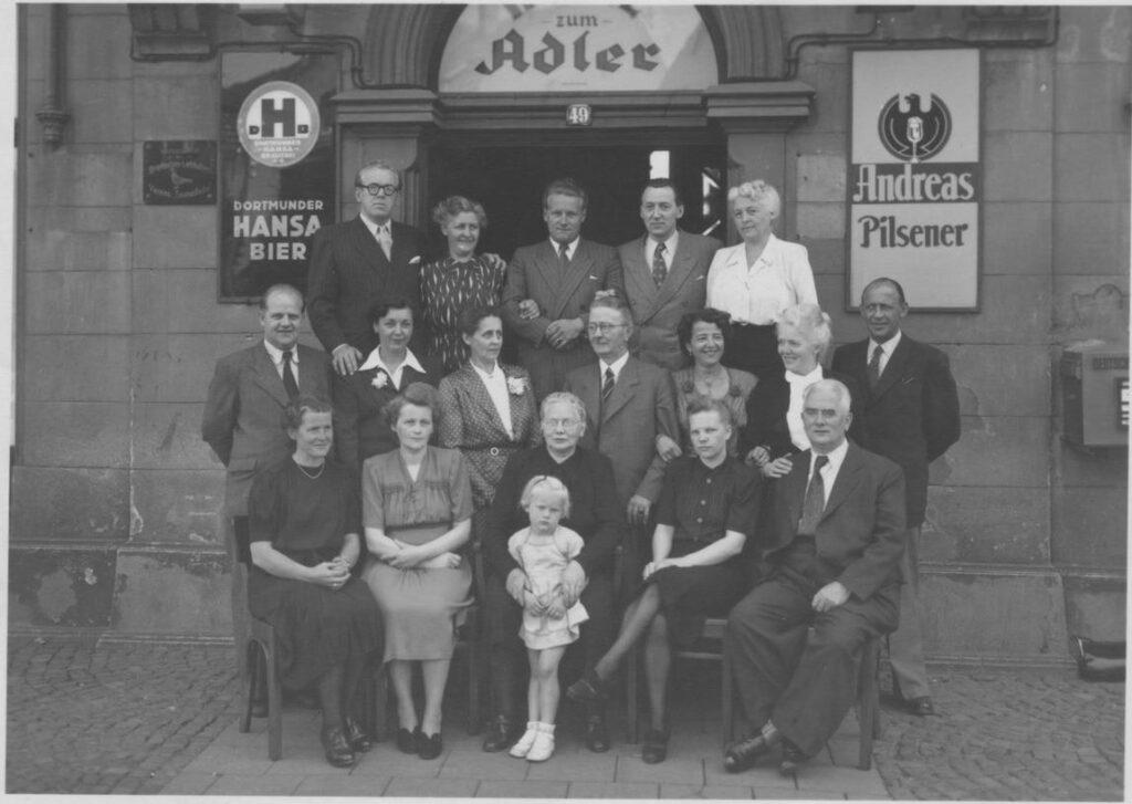 Geburtstagsfeier der Ww. Amalie Olfen ca. 1952