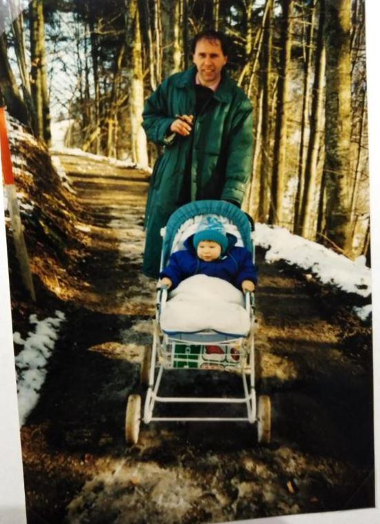 Michael als Baby mit seinem Vater Paul