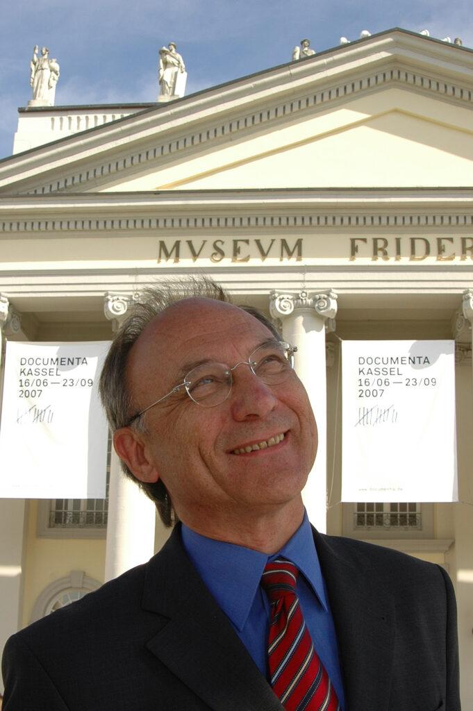 """Bernd Leifeld: """"In diesem Gebäude in Kassel war mein Büro. Es handelt sich um das Museum Fridericianum, das erste öffentlich zugängliche Museum auf dem europäischen Kontinent (1779). Hier fand auch die erste documenta im Jahre 1955 statt."""""""