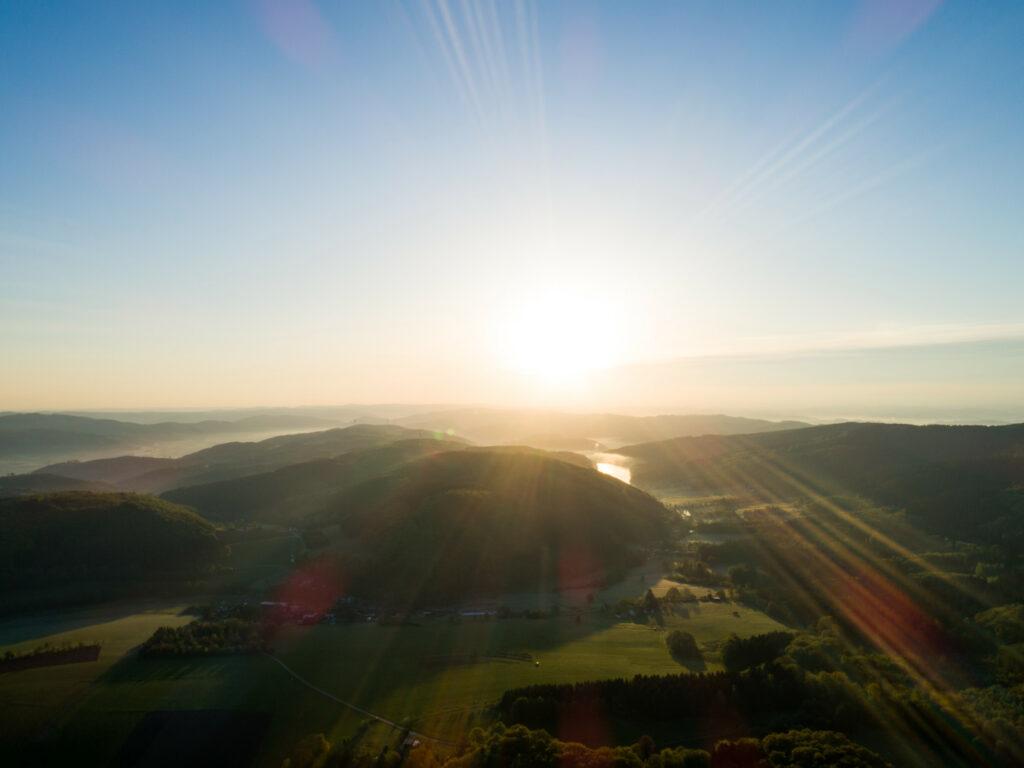 Sonnenaufgang im Ebbegebirge bei Meinerzhagen.