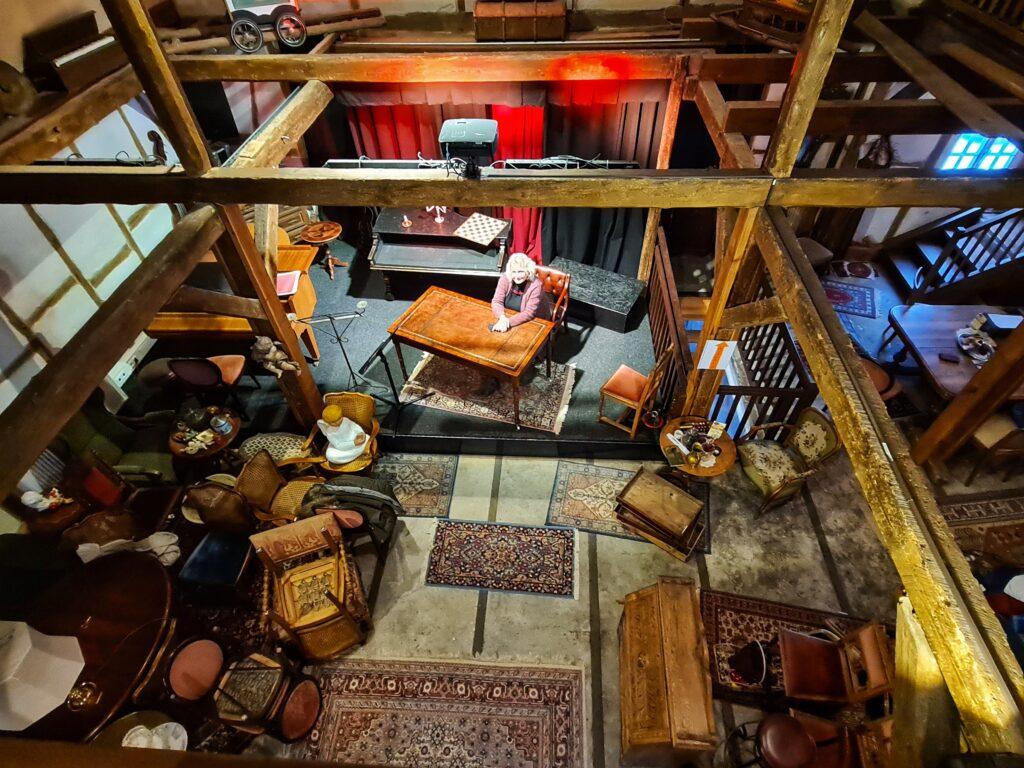 Sonst treten in dem kleinen Theater auch überregionale Künstler auf, momentan rüstet sich der Schrabben Hof für bessere Zeiten.