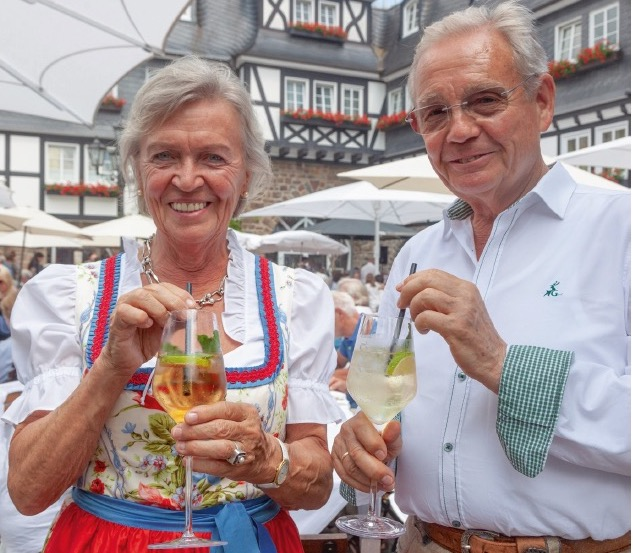 Theo Deimann mit seiner Ehefrau Sophie. Beide haben im Sauerland Gastronomie Geschichte geschrieben.