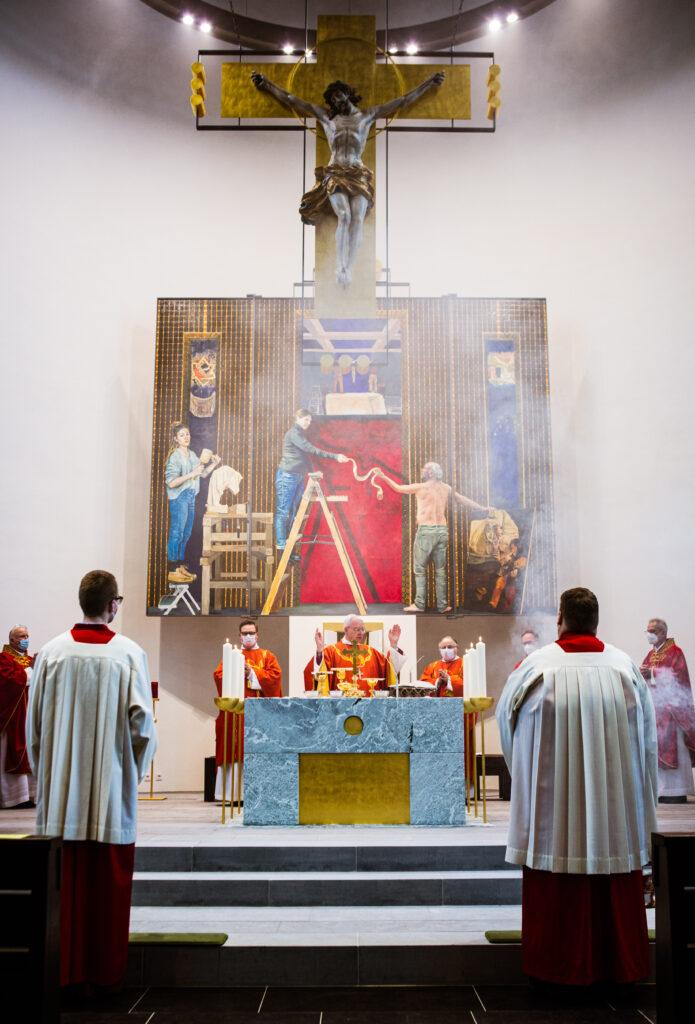 St. Clemens Drolshagen Neuer Altar von Thomas Jessen Foto: Roman Schauerte