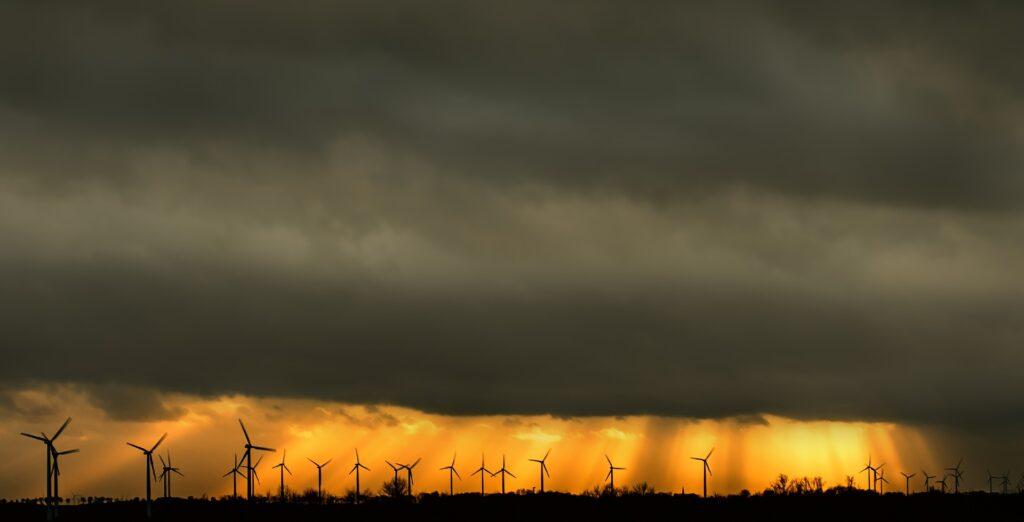 Windräder Sauerland Bild von DarkmoonArt_de auf Pixabay