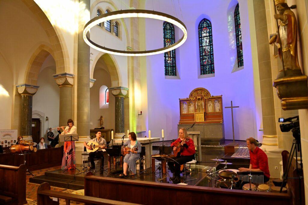 Eröffnung des Spirituellen Sommers 2021 in der Pfarrkirche St. Alexenader, Schmallenberg