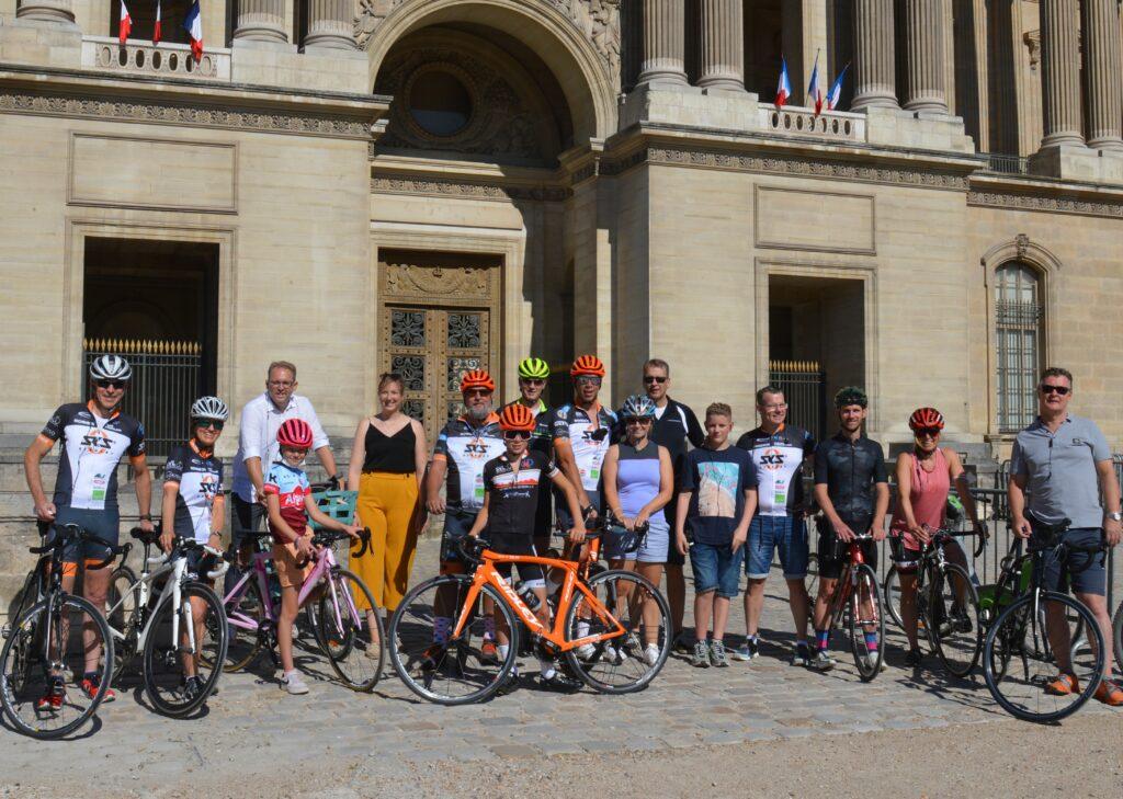 SVL-Sports und Gäste am Louvre. Tour de France 2021