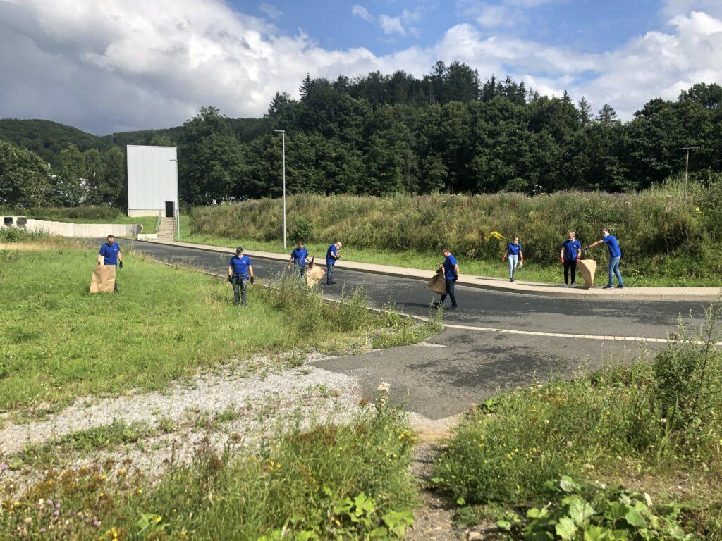 Mitarbeitende an 12 Standorten beteiligten sich an der Clean-up-Aktion, die die WEPA Gruppe gemeinsam mit der WEPA Stiftung anlässlich des Tags des Naturschutzes initiiert hat.