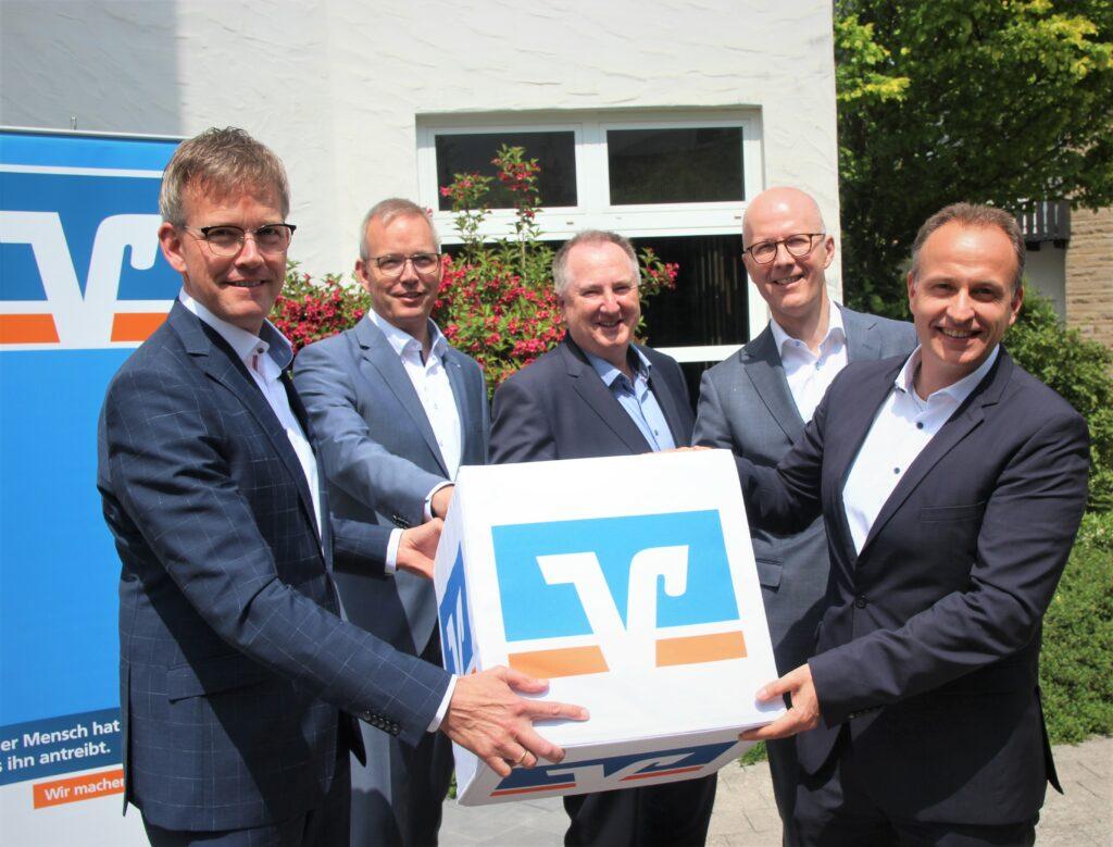 Die Vorstände der Fusionspartner (v.l.): Michael Griese, Bernd Griese (Bigge-Lenne) Michael Reitz (Sauerland), Andreas Ermecke (Bigge-Lenne) und Dr. Florian Müller (Sauerland).